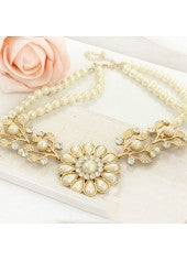 Gold Flowers & Pearls Necklace - Miss Red Carpet