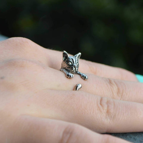 Vintage Style Cat-Figured Ring