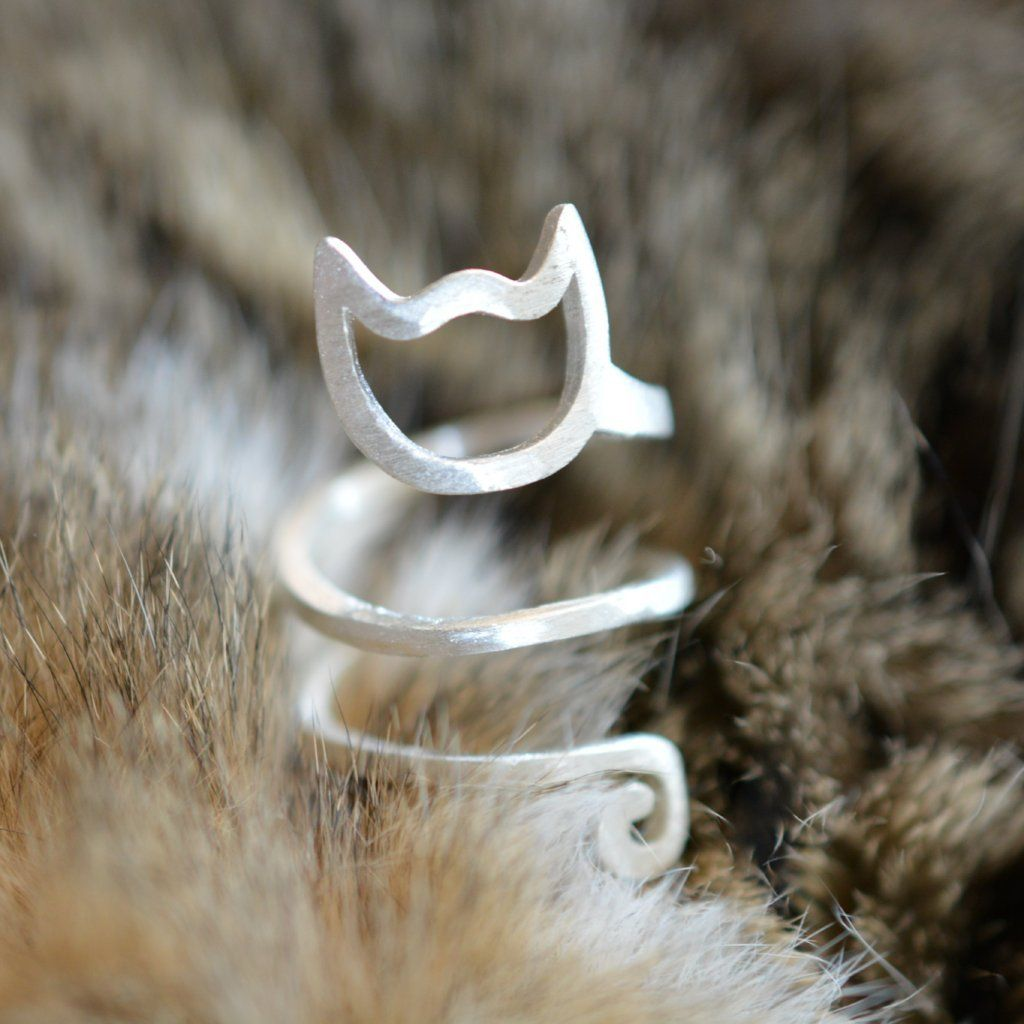 Sterling Silver Spiral Cat Ring from Catify.co