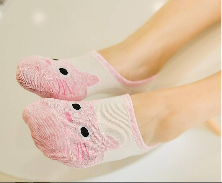 Cute Pink Cat Boat Socks model
