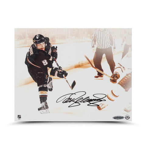 Teemu Selanne Autographed Slap Shot Photo