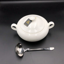 Family Size Tureen With A Ladle For Soups And Stews WL-555011