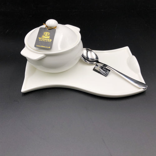 Individual Baking Pot With A Soup Spoon And Curved Serving Dish Set For 1 WL-555012