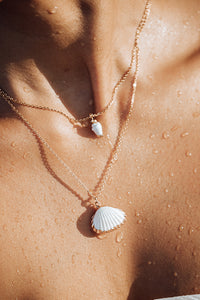 White Cascara Shell With Gold Strip Necklace, 18K Gold-Plated Stainless Steel Chain