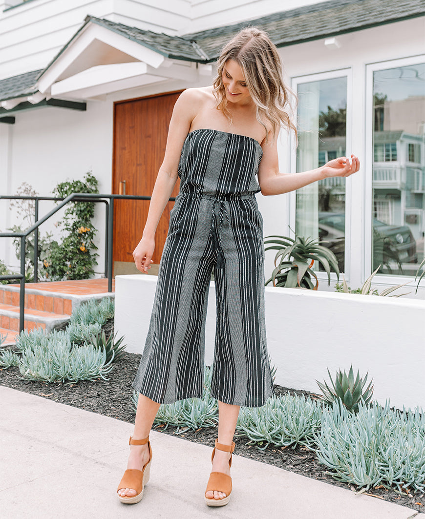 Black & White Striped Strapless Cropped Jumpsuit (RGS7095)