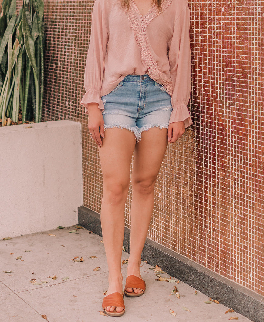 Light Wash Distressed Denim Shorts (CTB079S-DS)