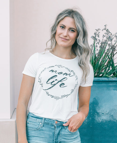 Mom Life Graphic Tee (72442D)