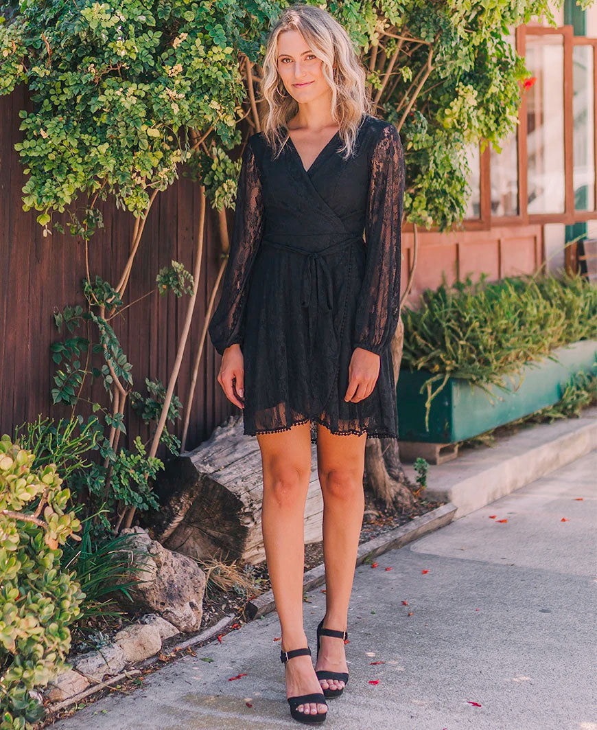 Black 'Reese' Long Sleeve Lace Dress