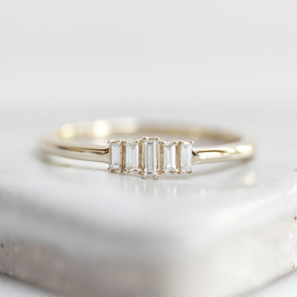 Column Diamond Ring