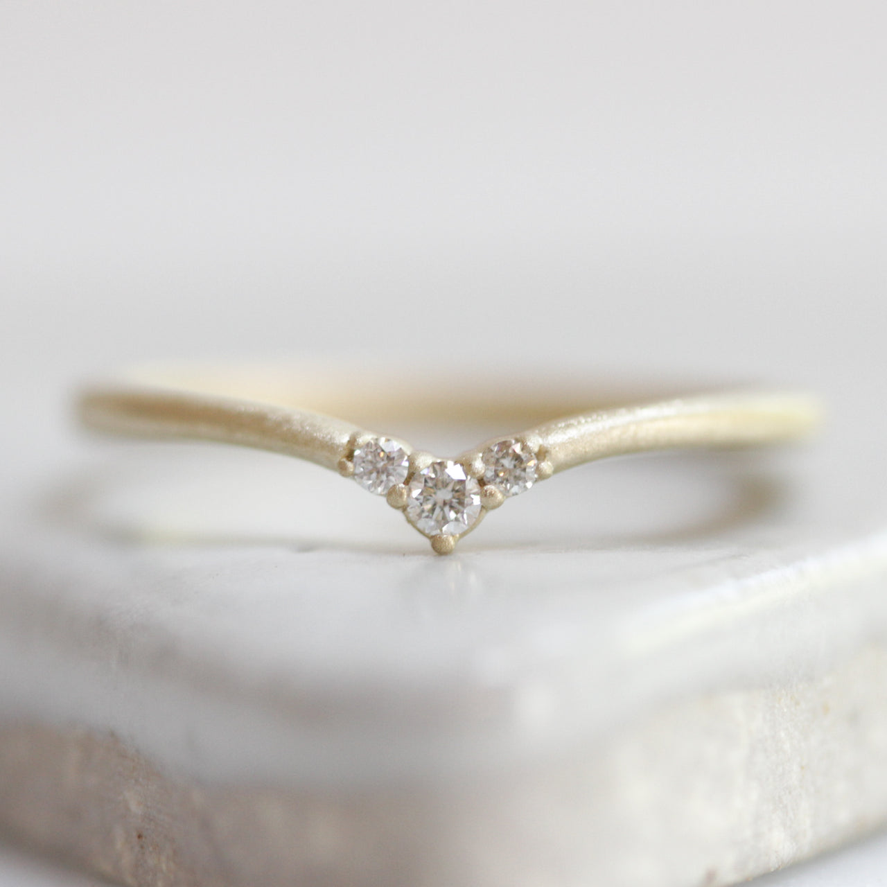 Diamond Peak Contour Ring