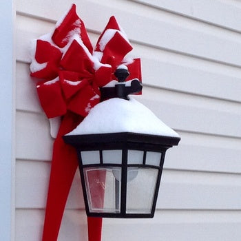 Speedy Decorating Tip: Just Add a Big Red Bow