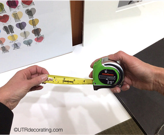 CenterFinder a measuring tape that quickly finds the centre of things without any complicated math