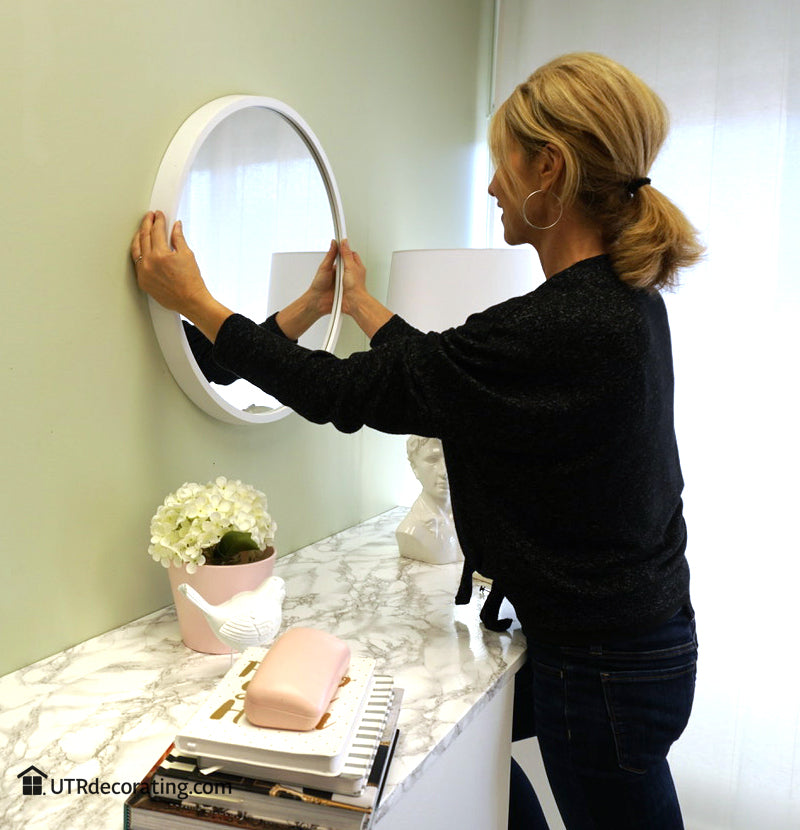 How to hang a mirror