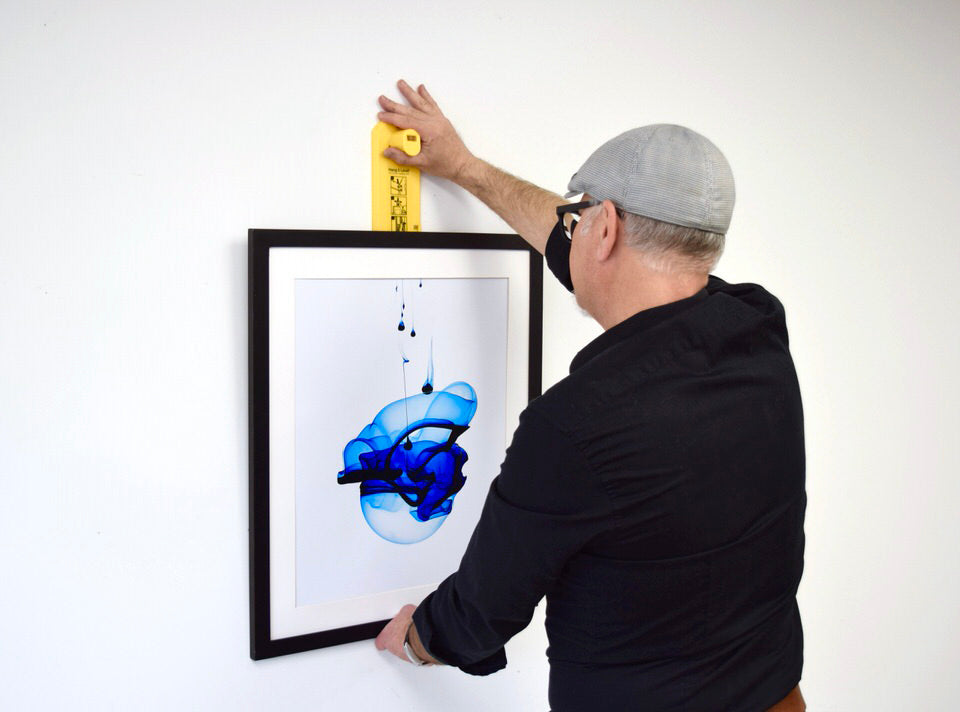 Using Hang & Level to find the right spot to hang a picture