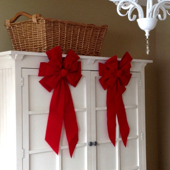 Deco tip Armoir red bows