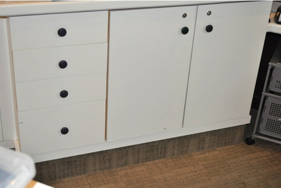 Drawer knobs before