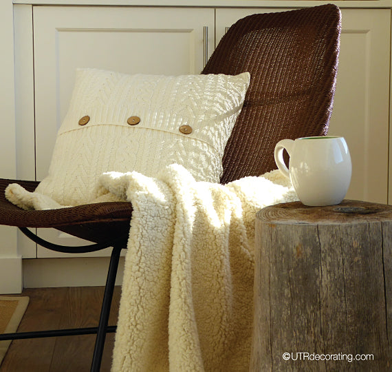 Fall cushions cream