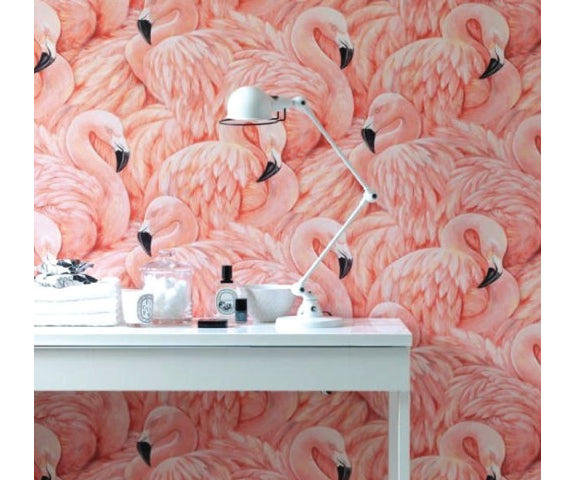 the flamingos décor trend on wallpaper