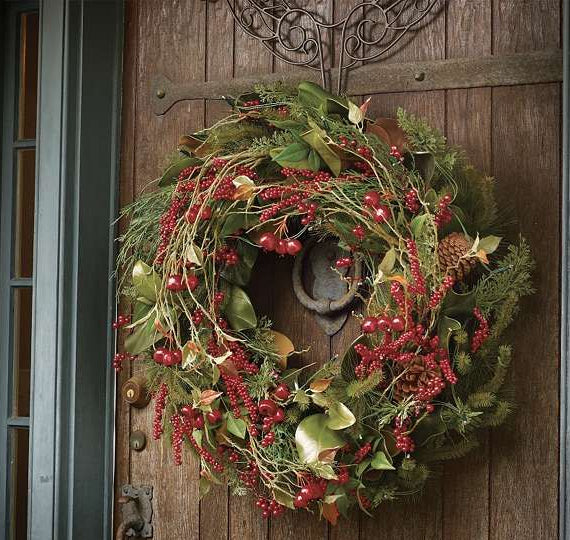 Over-the-door wreath hanger