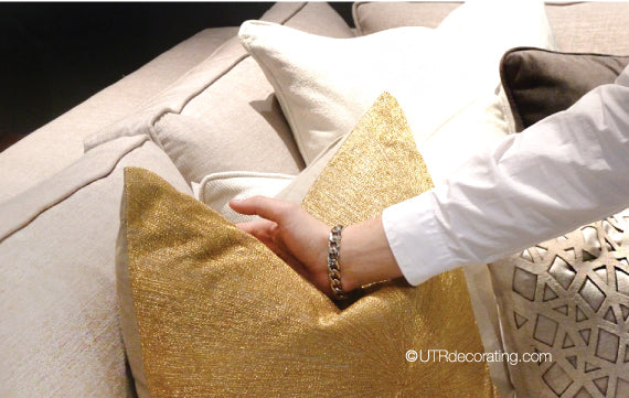 Decorating a couch with throw pillows