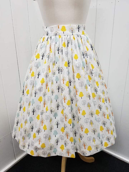 It's So You!-1950's Style Fall Trees Print Gathered Skirt