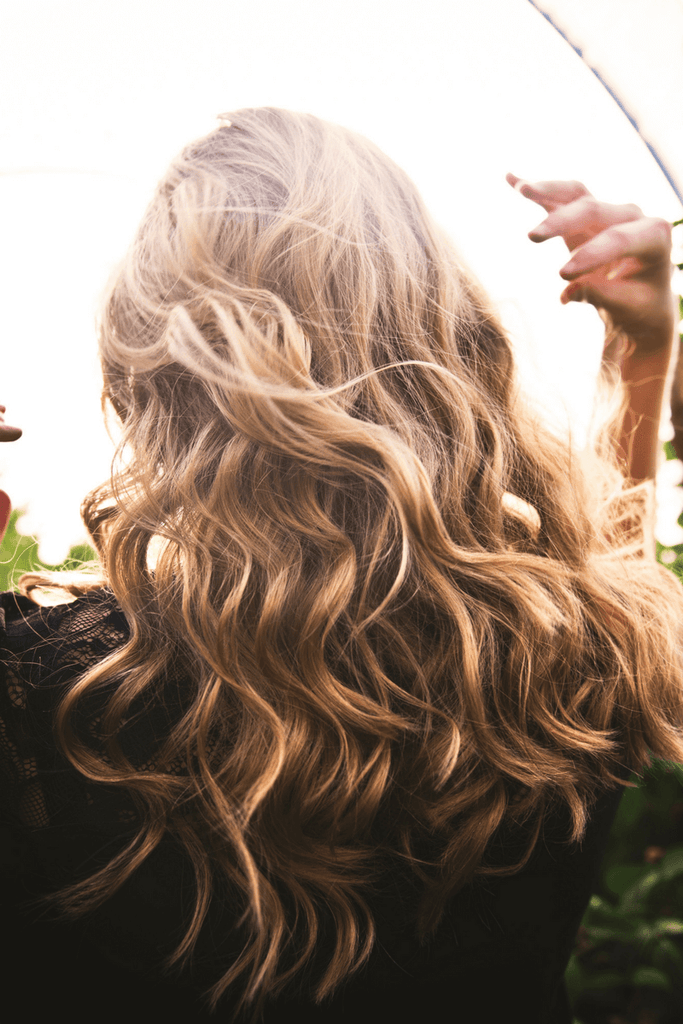 How to get rid of dandruff: 9 easy and safe ways