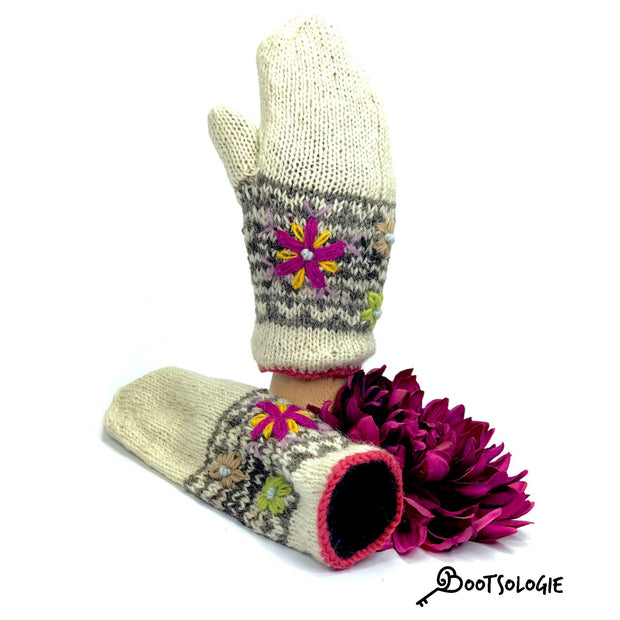 Blossom Embroidered Mittens - Bootsologie