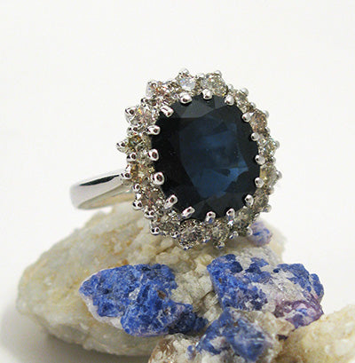 sapphire center engagement ring