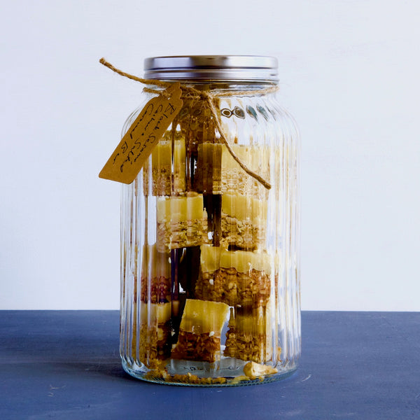 THE GOODIE JAR  I  CARDAMOM LEMON OATY BITES