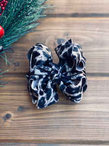 Snow Leopard Velvet Hair Bows - LilaReneeCreations