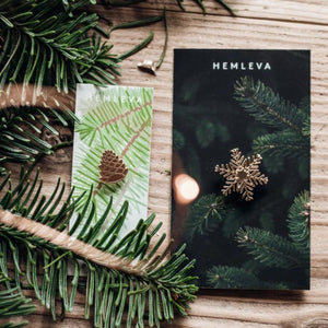 Hemleva Holiday Pins