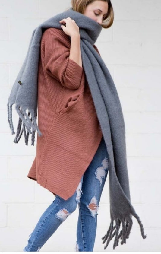 Oversized tassel end scarf