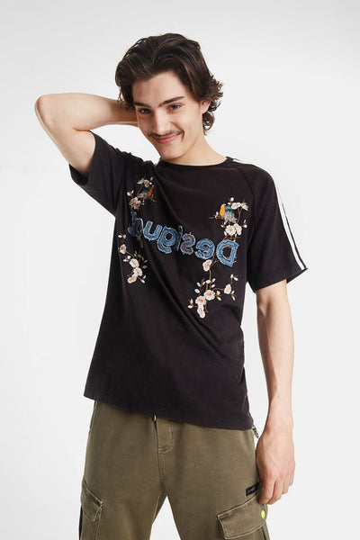 Desigual Japanese-inspired T-shirt and Logo Malcom