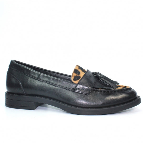 Lunar Naples Leather Tassel Loafer