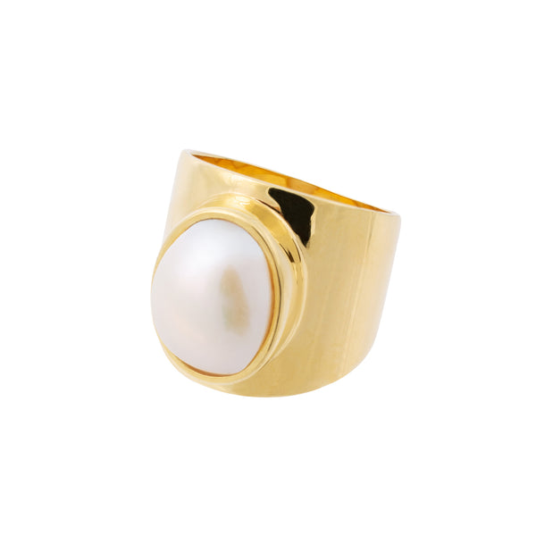 VENUS WHITE PEARL RING - Amadeus Bijoux sustainable jewelry handmade in the UK