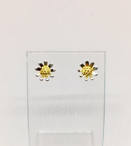 Daisy Stud Earrings | RPA/BE23-GP