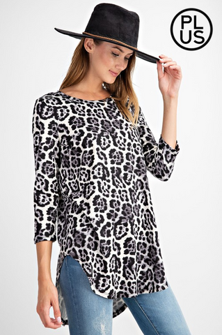 Animal printed, Round Neck Knit Top Curvy Collection