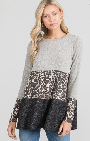 Hacci Brushed Animal Color Block A - Line Top