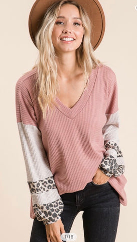 WAFFLE TUNIC WITH ANIMAL PRINT PINK COLOR BLOCK SLEEVE