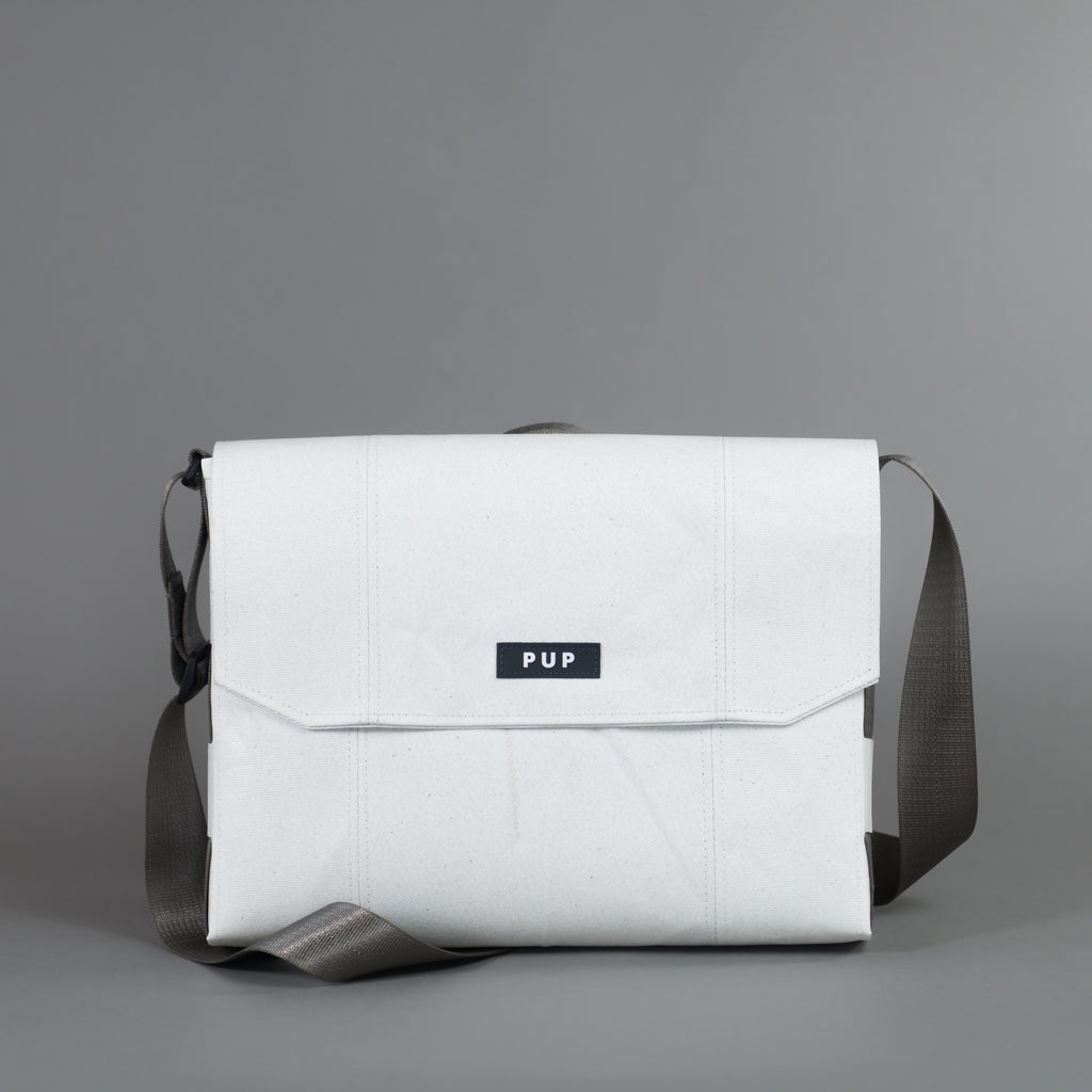 COURIER 15 MESSENGER