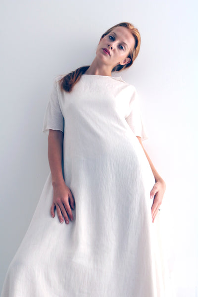 One and only Adelaine Cream dress from our Adelaine series, featuring  simple A line silhouette and short sleeves. Great for warm summer, style it up with your favourite sandals or sneakers.