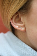 CURVED EAR STUD