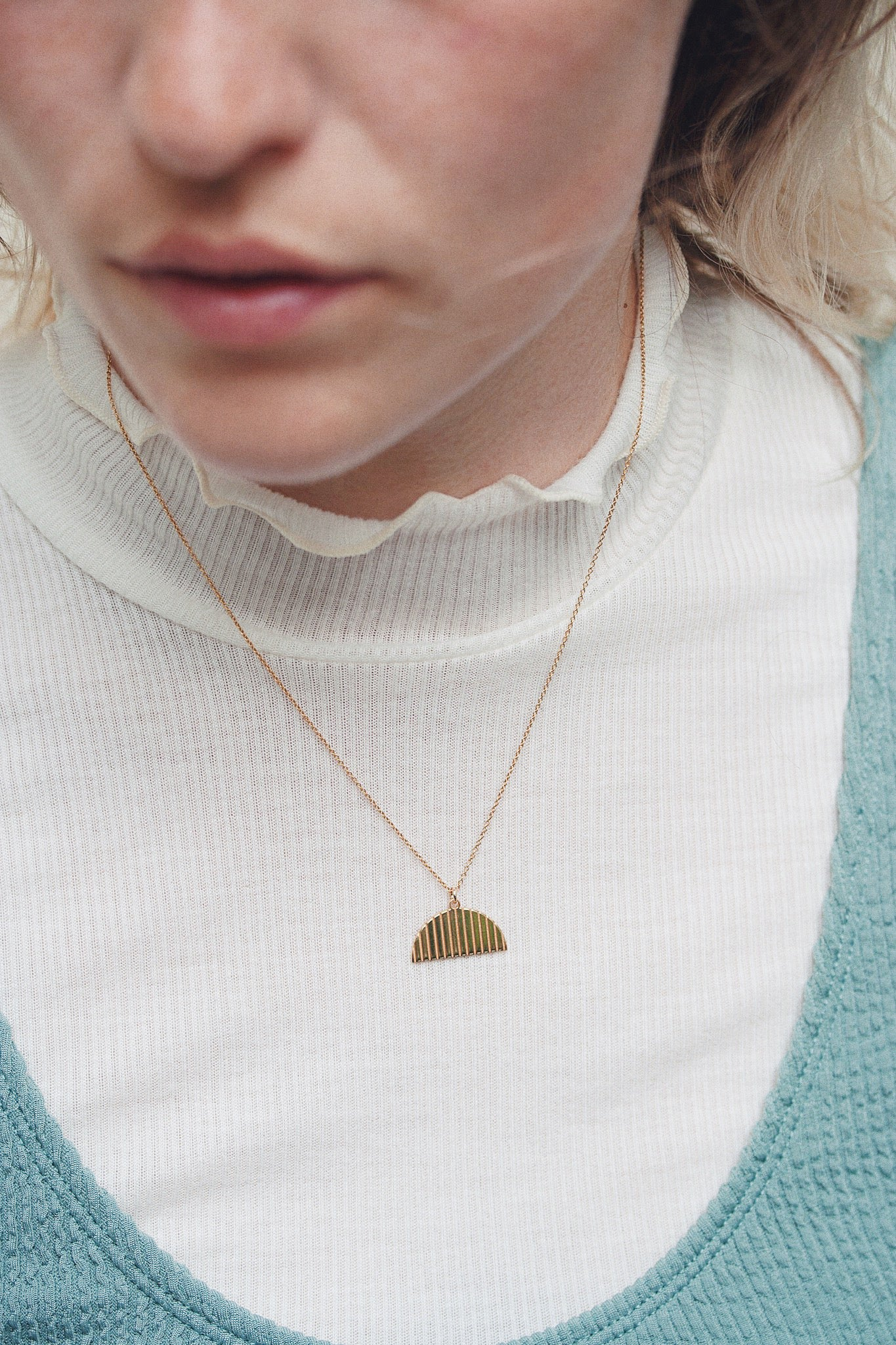VIBE NECKLACE