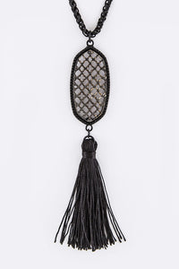 Tassel Cutout Pendant Necklace