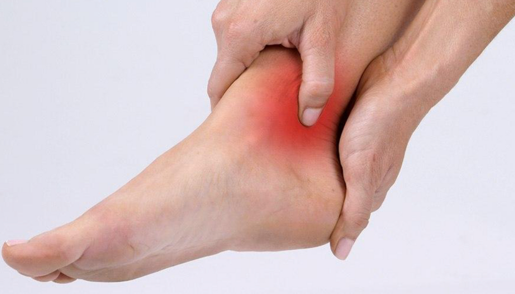 Symptoms and Treatments for Ankle Sprains and Strains