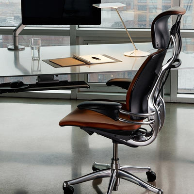 Humanscale Chair with Headrest Standard Duron Arms / Vellum Black / Standard Foam Seat Pan Humanscale Standard Freedom Headrest
