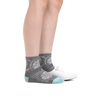 Profile image of a woman's legs on a white background wearing Women's Mantra Shorty Lightweight Lifestyle Socks in Ash and a casual shoe on one foot