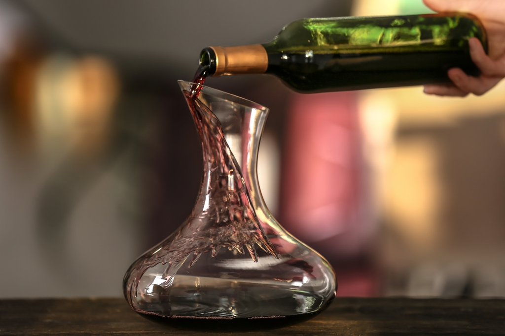 When to use a wine decanter