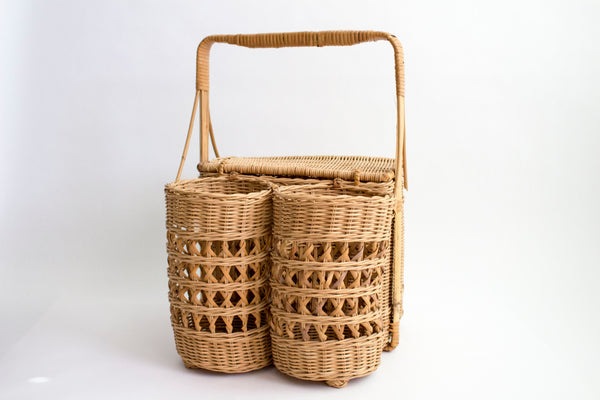 PICNIC BASKET WITH BOTTLE HOLDER