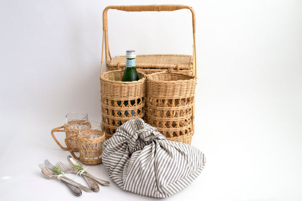 PICNIC BASKET WITH BOTTLE HOLDER - Girl and the Abode